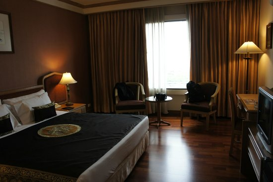 Grand Mercure Bangkok Fortune:                   room