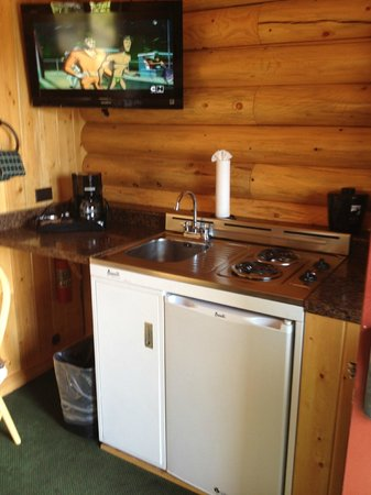 Elk Country Inn :                   kitchenette