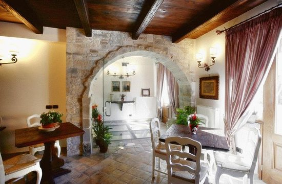 Interno albergo s rocco foto di albergo archi del sole - Archi in pietra interno casa ...