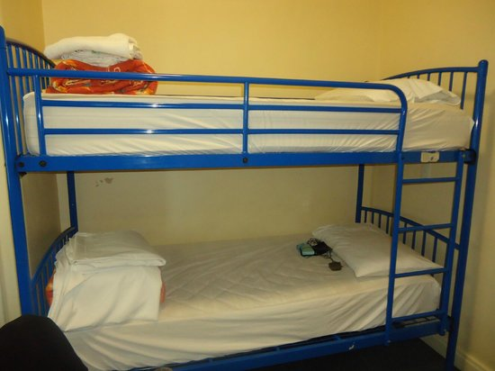 Hotel Waterloo & Backpackers:                   Bunk Style Basic Twin Room