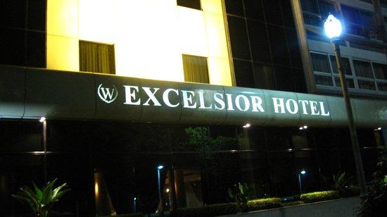 Windsor Excelsior Hotel:                   2