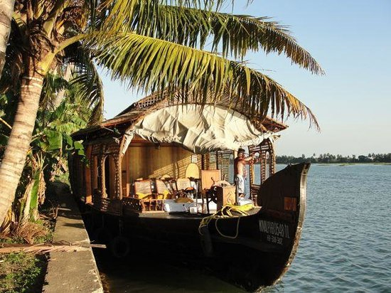 Kumarakom Lake Resort:                   Houseboat
