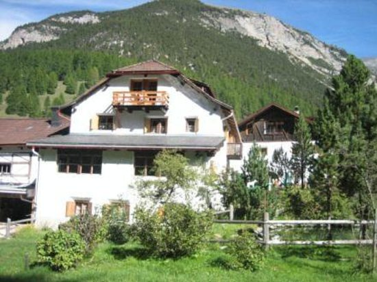 Photo of Landgasthof Crusch Alba ed Alvetern S-charl