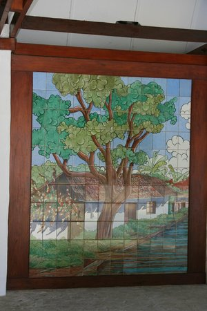 Hotel Bougainvillea:                   one of many mosaics at the pool area