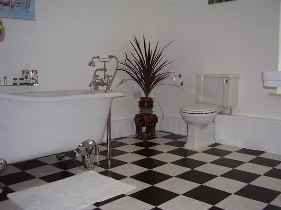 Chalk Farm House: Bathroom