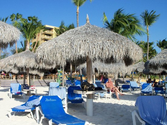Hilton Aruba Caribbean Resort & Casino:                   Loved the beach area