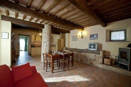 Casa verniano colle di val d 39 elsa italien ranch for Schierandosi casa di ranch