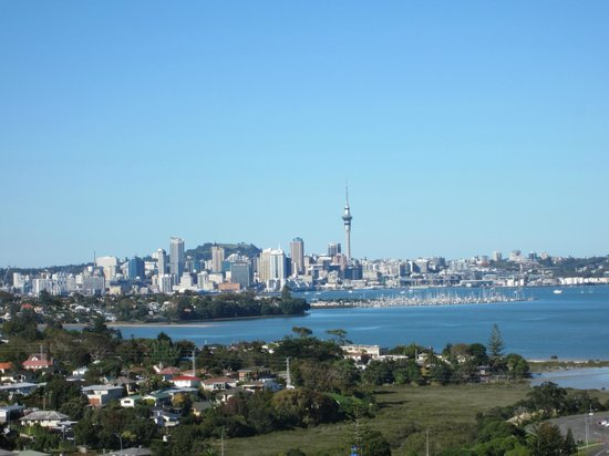 The Spencer on Byron Hotel:                   Looking back to Downtown Auckland & Sky Tower