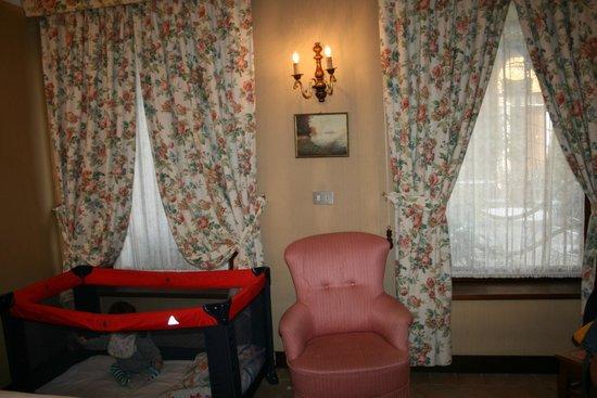 Hotel Flora:                   Room