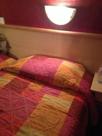 Hotel Altona:                   ベッドルーム