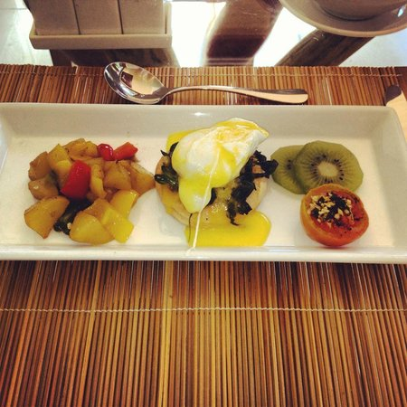 Maca Villas & Spa:                   Breakfast!