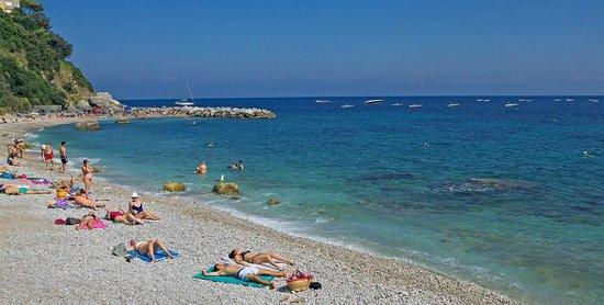 Hotel Relais Maresca: Outside Beach