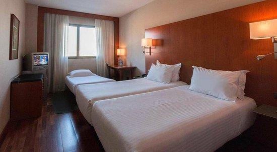 B&B Hotel Granada Estación: Habitación Triple