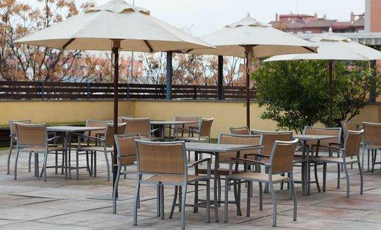 Hotel H2 Granada: Terraza