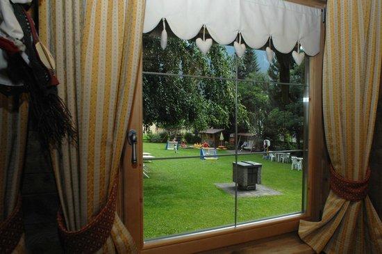 Residence Laste: veduta giardino