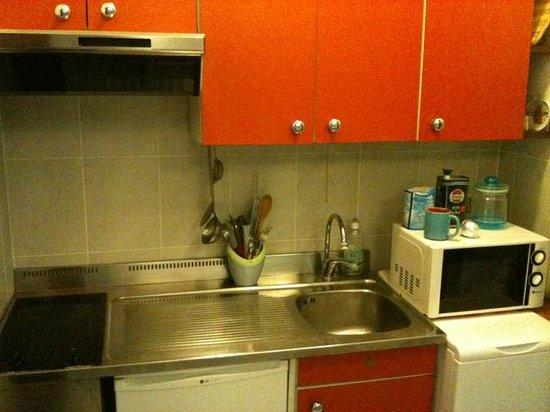 Holiday Homes Residence Appartamenti Milano :                   ottimi spazi e ben organizzati
