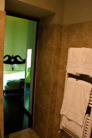 Hotel Universo:                   Baño