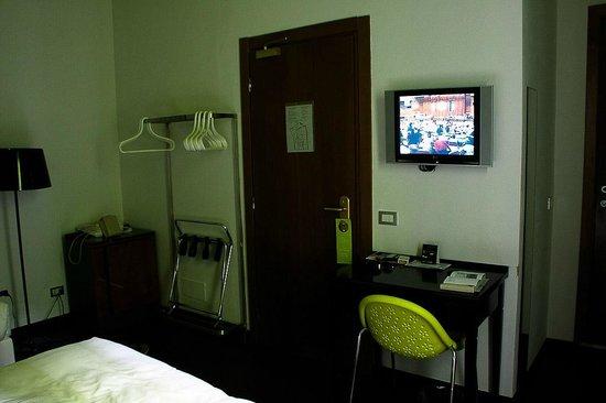 Hotel Universo:                   Habitación