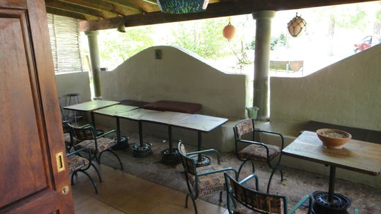 Lavender Hills Guest Farm:                                     Covered patio with lottsa room