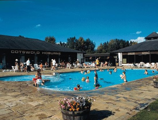 South Cerney, UK: Outdoor family pool