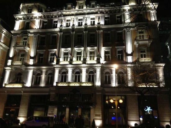 Corinthia Hotel Budapest:                                     Corinthia Budapest