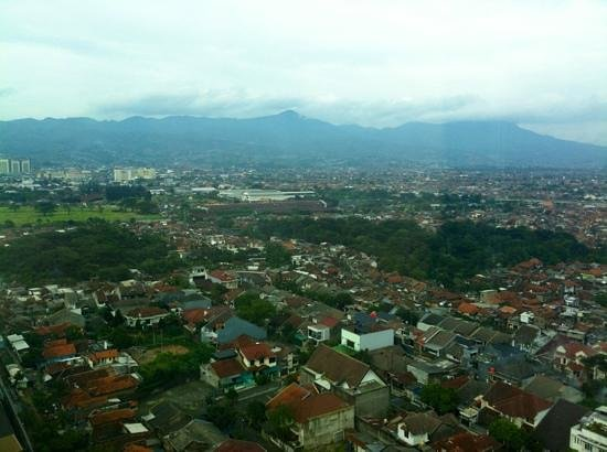 Ibis Bandung Trans Studio:                                     window view