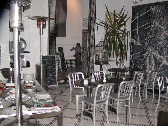 Restaurant Numéro 7 :                                     LOCALE MOLTO BELLO