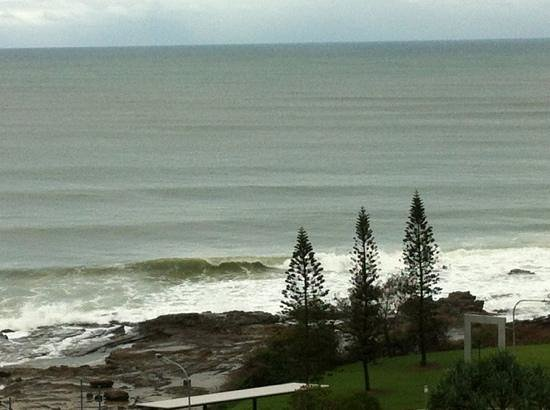 Mantra Mooloolaba Beach Resort:                   beach view from our room