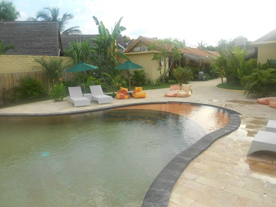 Laguna Gili Beach Resort:                   Laguna fresh water pool
