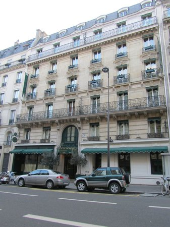 Villa Pantheon :                   View of the Hotel from Rue des Ecoles