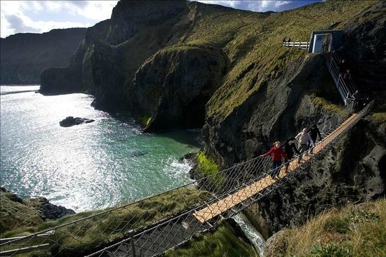 Noord-Ierland, UK:                   Carrick a Rede Rope Bridge, Co. Antrim