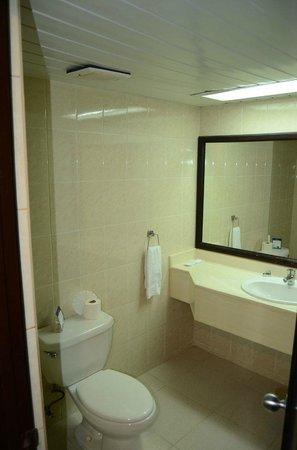 Tropical Princess Beach Resort & Spa:                   Ванная комната
