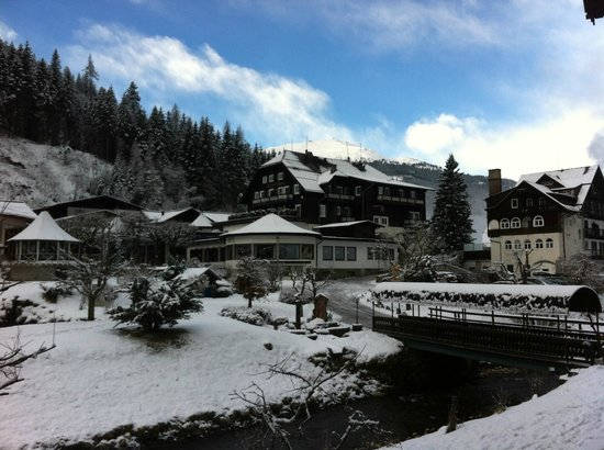 Hoteldorf Gruner Baum:                   Magical, winter wonderland