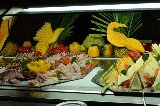 Tropical Princess Beach Resort & Spa:                   Шведский стол