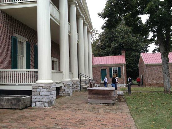 Front porch with columns and support picture of andrew for Hermitage house