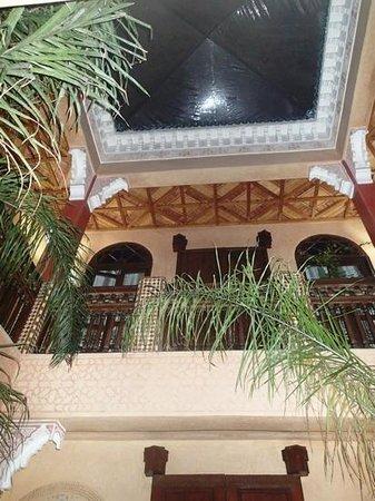 رياض ريف دورينت:                                     Un véritable palais.                                  