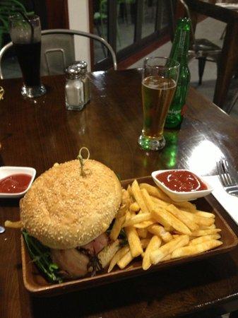 The Kurious Kiwi Restaurant & Bar:                                     The lamb burger