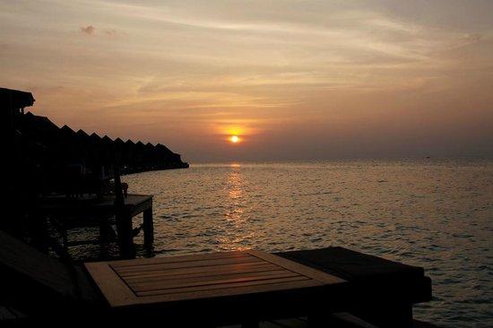 Kuredu Island Resort & Spa:                   Coucher de soleil