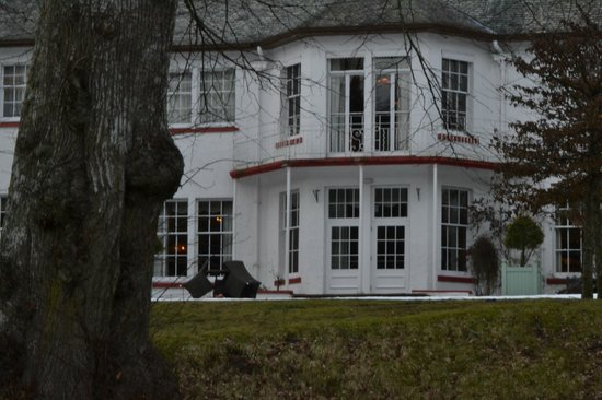 Dunkeld House Hotel:                   Hotel from the river bank