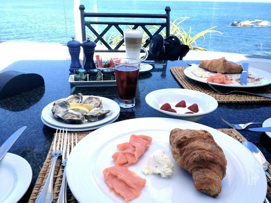 The Twelve Apostles Hotel and Spa:                   AMAZING BREAKFAST