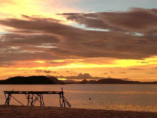 Mangenguey Island :                   sunrise