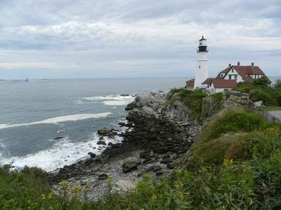 Fort Williams Park:                   El Faro de Portland