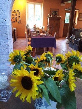Domaine de la Pépinière : salle des petits déjeuners dans maison des propriétaires