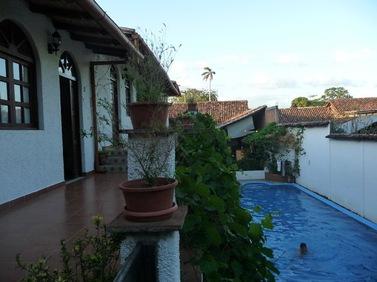 Hotel La Posada del Sol:                   lovely pool and courtyard