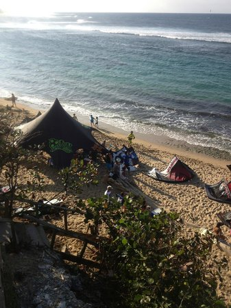 Villa Tropical Oceanfront Apartments on Shacks Beach: Shacks Beach during Kite board competition 2/2013
