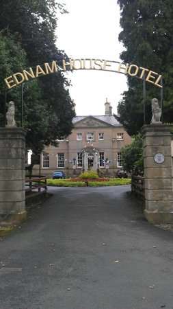 Ednam House:                   View from the road