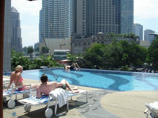 Impiana KLCC Hotel:                   swimming pool on the roof