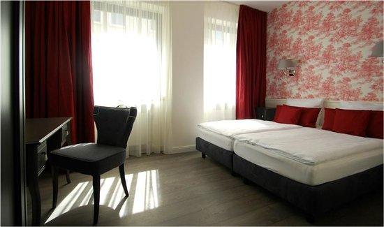 hotel domspitzen ab 90 2 9 1 bewertungen fotos preisvergleich k ln tripadvisor. Black Bedroom Furniture Sets. Home Design Ideas