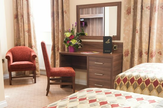 Adair Arms Hotel: Standard Bedroom