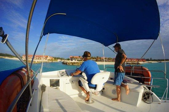 Bimini Sands Resort and Marina: Approaching Bimini Sands